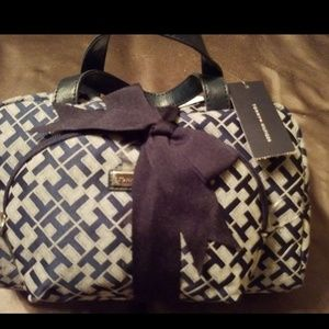 Tommy Hilfiger cosmetic bags